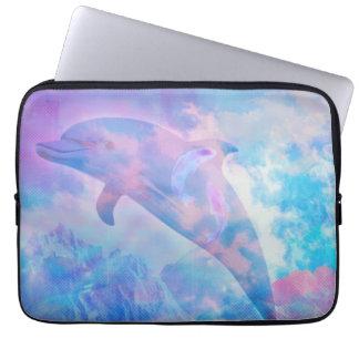 Capa Para Laptop Golfinho de Vaporwave no céu