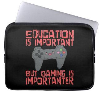 Capa Para Laptop O jogo é Importanter do que a educação - Gamer
