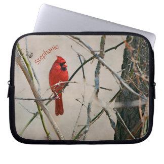 Capa Para Laptop Um pássaro cardinal vermelho em um ramo nas