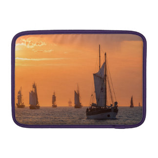 Capa Para MacBook Air Windjammer na luz do por do sol