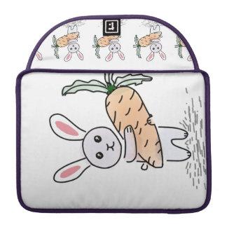 Capa Para MacBook Coelho com uma cenoura