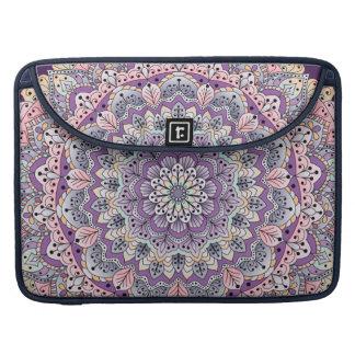 Capa Para MacBook Mandala floral cor-de-rosa e roxa bonito