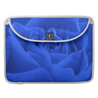 Capa Para MacBook Pétalas cor-de-rosa azuis