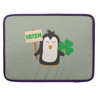 Capa Para MacBook Pinguim irlandês com trevo Zjib4