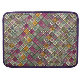 Capa Para MacBook Pro Retalhos do vintage com elementos florais da