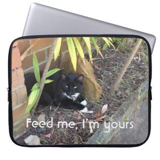 Capa Para Notebook As suiças brancas do gato preto não o precisam