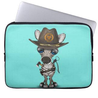 Capa Para Notebook Caçador do zombi da zebra do bebê