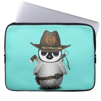 Capa Para Notebook Caçador do zombi do pinguim do bebê