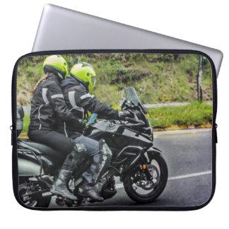 Capa Para Notebook Cavaleiros das motocicletas na avenida