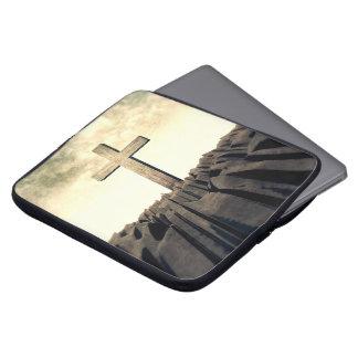 Capa Para Notebook Cruz cristã na montanha