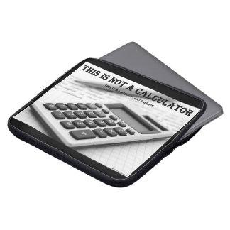 """Capa Para Notebook """"Esta não é uma calculadora """""""