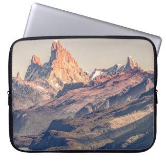 Capa Para Notebook Fitz Roy e montanhas de Poincenot Andes -