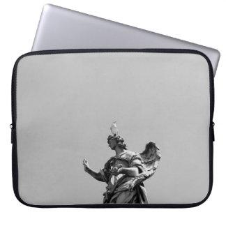 Capa Para Notebook Foto simples, moderna da gaivota sobre a estátua