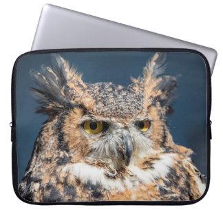 Capa Para Notebook Grande retrato da coruja Horned