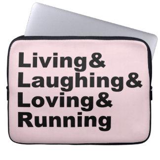 Capa Para Notebook Living&Laughing&Loving&RUNNING (preto)