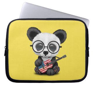Capa Para Notebook Panda do bebê que joga a guitarra da bandeira