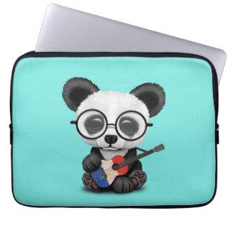 Capa Para Notebook Panda do bebê que joga a guitarra francesa da