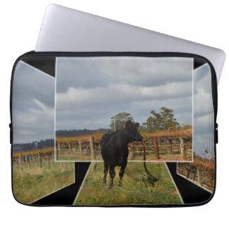 Capa Para Notebook Quadros dimensionais da arte da vaca preta do