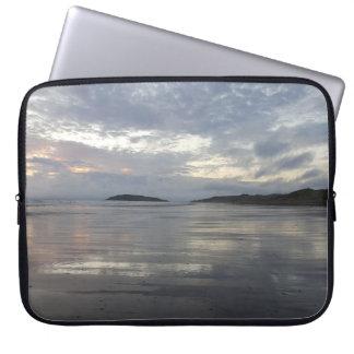 Capa Para Notebook Reflexões na bolsa de laptop da praia da península