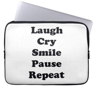Capa Para Notebook Repetição do riso