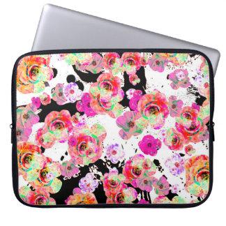 Capa Para Notebook Rosa e primavera do coral floral em preto e branco