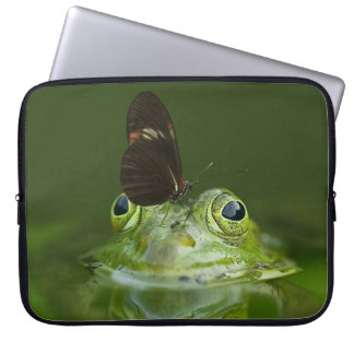 Capa Para Notebook Sapo verde e borboleta