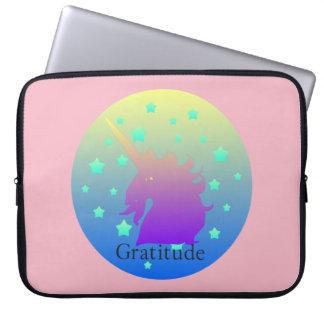 Capa Para Notebook Unicórnio de Ombre com gratitude da palavra