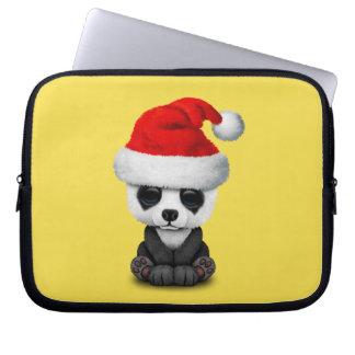 Capa Para Notebook Urso de panda do bebê que veste um chapéu do papai