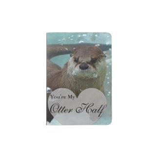 Capa Para Passaporte Sua minha natação da lontra de rio de Brown da