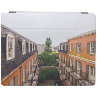 Capa Smart Para iPad Construções e palmeiras em Nova Orleães