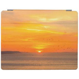 Capa Smart Para iPad Costa do por do sol com Sun alaranjado e pássaros