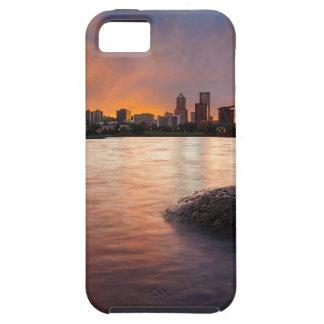 Capa Tough Para iPhone 5 Portland OU skyline ao longo do por do sol do rio