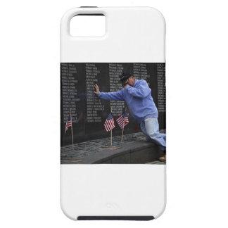 Capa Tough Para iPhone 5 Visitando a parede memorável de Vietnam, C.C. de