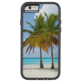 Capa Tough Xtreme Para iPhone 6 Palmas gêmeas na água branca de turquesa da praia