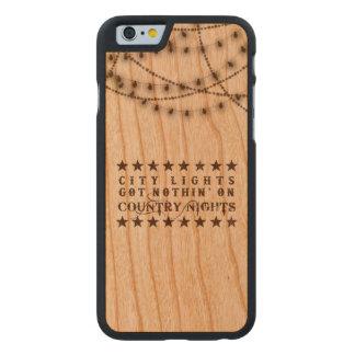 Capas de iphone do país na madeira com luzes