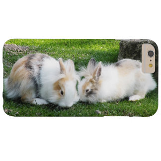 Capas iPhone 6 Plus Barely There Coelhos bonitos na grama
