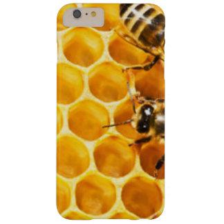 Capas iPhone 6 Plus Barely There Favo de mel e design do teste padrão das abelhas
