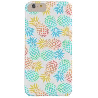 Capas iPhone 6 Plus Barely There teste padrão colorido tropical do abacaxi do verão