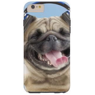 Capas iPhone 6 Plus Tough Pug com fones de ouvido, pug, animal de estimação