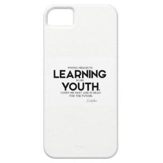 Capas Para iPhone 5 CITAÇÕES: Euripides: Aprendizagem na juventude