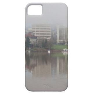 Capas Para iPhone 5 Dia nevoento ao longo do panorama de Portland OU