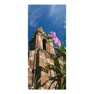 Capela gótico do estilo planfeto informativo colorido