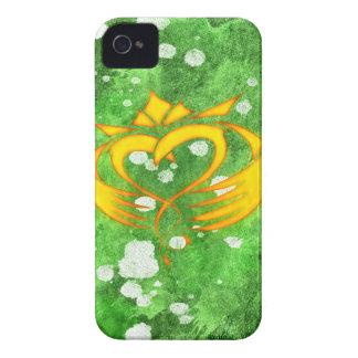 Capinha iPhone 4 Splatter celta irlandês de Claddagh