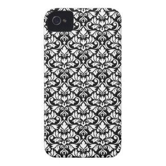 Capinhas iPhone 4 Branco da cor damasco do Flourish no preto