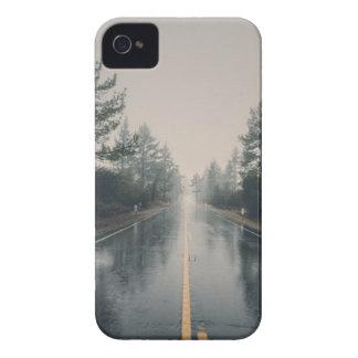 Capinhas iPhone 4 Floresta vazia da estrada