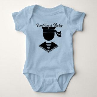 Capitão náutico do marinheiro do vintage do bebê camisetas