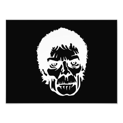 Cara assustador do monstro do zombi fotografia