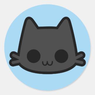 Cara feliz do gato preto no azul adesivo redondo