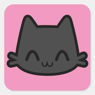 Cara feliz do gato preto no rosa adesivo quadrado