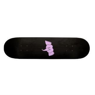 Cara roxa do elefante. Desenhos animados Skate